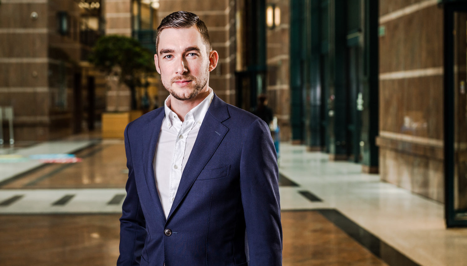 Joeri Wouters: On the millennial trader | The DESK - Fixed Income